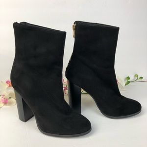 F21 Black booties Back Zipper Detail Size 6